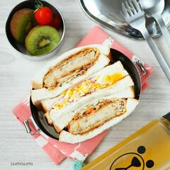 ランチ/お昼ごはん/シーガル弁当/弁当箱/お弁当/コロッケサンド/... コロッケサンドのお弁当。 千切りキャベツ…