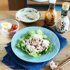 料理/ダイエット/ヘルシー/豚肉/茹で豚/器/... 今日の朝ごはんは茹で豚サラダ。燻製ドレッ…