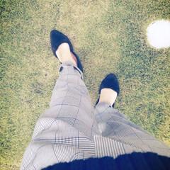 チェック柄パンツ/おセンチな日もある/秋は切ない?/おでかけ お天気は あまり良くなかったけど 芝生を…