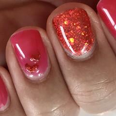 ネイル/ファッション/セルフジェルネイル/セルフネイル/猫好き/キャンドゥ/... 濃いめピンクにグリッターレッドのハート作…(2枚目)