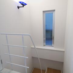 階段/スチール階段/天然木階段/ホテルライク/ラグジュアリー/リノベーション/... 天然大理石ビアンコカララと天然木ナラ、ス…