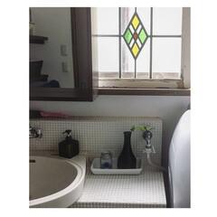 サニタリールーム/洗面所/アンティーク/リフォーム/DIY/雑貨/... 洗面所の窓のデザインが、好きではないので…