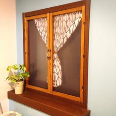 DIY/二重窓/洗面所/100均/セリア/北欧インテリア/... 洗面所が寒いので二重窓にしました。 取っ…
