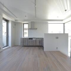 古材/足場板/L型キッチン/ステンレス天板 古材を扉、引出前板に使用しました。 ただ…