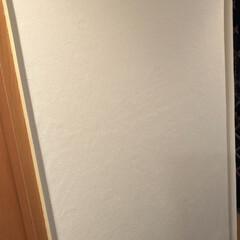 おうち自慢 廊下の壁紙貼りが全て完了し、マリメッコの…