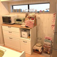 食器棚/ナチュラル/ナチュラルカントリー/カントリー/カフェ風キッチン/カフェ風インテリア/... 数日前に、料理本を収納するマガジンラック…