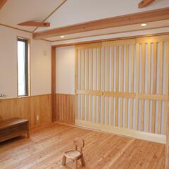 木の家/注文住宅/無垢/珪藻土 フローリング:唐松 建具:造作 壁:珪藻土