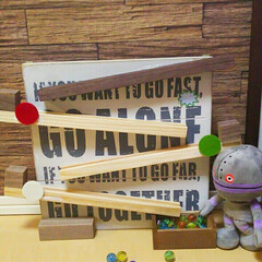 ウォールバー/玩具/DIY/100均/ダイソー 100均の材料でビー玉コロコロ➰➰🌑