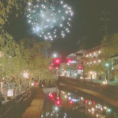 夏の思い出/好きな街並み/川に写った花火♡ 子供の頃から好きな街並み♡  川に写った…