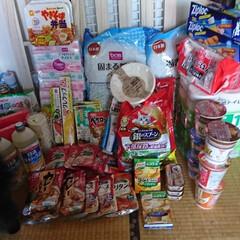 備蓄/北海道地震/収納 備蓄のため、お店まわりをし、くーちゃん!…
