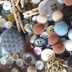 ボタン/リメ缶/ダイソー/100均/DIY/雑貨/... 連続投稿🙇🙇🙇🙇🙇 気まぐれご~やん😎🛠…(3枚目)