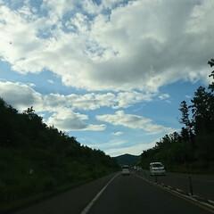 北海道/空/おでかけ 自宅、道南まで道東道、走行中! 空がやっ…