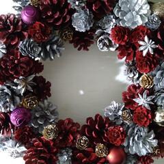 ダイソー/セリア/一人暮らし/ハンドメイド/雑貨/DIY/... クリスマスリース赤バージョン完成✌️直径…(3枚目)