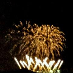 花火 近くの工場が 夏祭りの最後に花火をあげて…