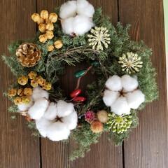 リース 初めてクリスマスリースを作りしました。 …