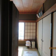 雨漏れ/2階雨漏れ/屋根雨漏れ 2階の和室雨漏れ、雨漏れの上は屋根の棟で…