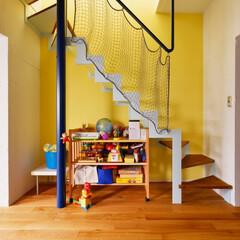 階段/リビング階段/グレーチング/採光/イエロー/床暖房/...