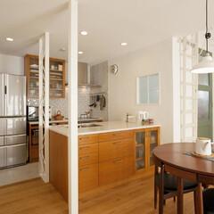造作キッチン 限られた空間にアイランド型キッチンという…
