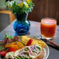 おうちカフェごはん/朝ごパン/朝ごはん/花のある暮らし/LIMIAごはんクラブ/おうちごはん/... 2020.5.30 土曜日 今日の朝ご…