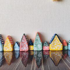 紙粘土/ミニチュア/北欧風/手作り 紙粘土で小さいおうちを作りました。 窓や…