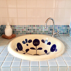 トイレ/インテリア/コンテスト応募/フォト/ダイソー/リメイク/... トイレの手洗いシンクのタイル壁をダイソー…