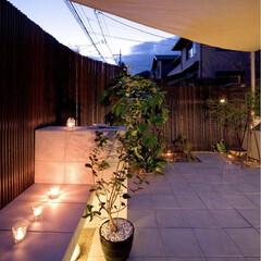 ESTINA/エスティナ/ガーデン/外構/エクステリア/庭/... 白いタイルと天然素材の組み合わせが、優雅…