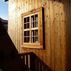 テラス/杉板 外壁の杉板は、鉄くぎで打っています。鉄く…