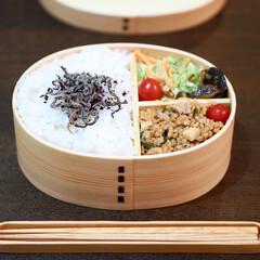 そぼろ/ひき肉/アヒージョ/きのこ/お弁当おかず/曲げわっぱ弁/... おべんとう。 ▶︎大豆ミートときのこ入り…