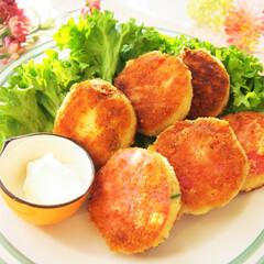 コロッケ/ハム/ポテトサラダ/リメイク/料理研究家/アンナのキッチン/... ポテトサラダをハムではさみ、衣をつけて揚…