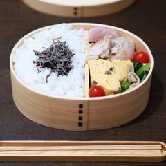 お弁当おかず/お弁当/簡単レシピ/お弁当のおかず&便利グッズ 曲げわっぱのおべんとう。 ▶︎鶏肉とかぶ…