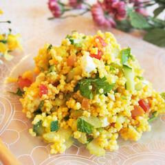 作り置き/サラダ/キヌア/スーパーフード/料理研究家/アンナのキッチン/... キヌアとアワを使ったサラダです。 キュウ…(1枚目)