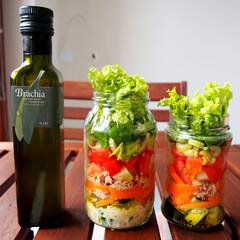 サラダ/ジャーサラダ/ヘルシー/料理研究家/アンナのキッチン/ドイツ/... 野菜たっぷりのジャーサラダ♡ 人参、ツナ…