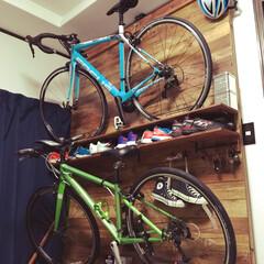 シューズ収納/壁掛け/自転車/ショップ風/DIY/ディアウォール/... 自室をショップ風にして見ました。 ディア…