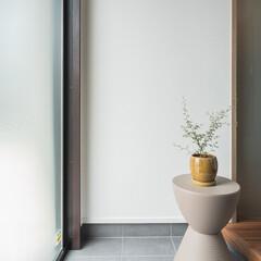 建築/三重/注文住宅/デザイン/内観/玄関/... 部屋をつなぐ曲面壁(1枚目)