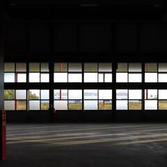 ARCHITECTURE/factory/工場/生産施設 生産部門から南側の連窓を見た物です。この…