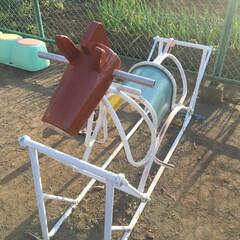 幼稚園/公園/遊具/木馬/丸太 幼稚園遊具の木馬の頭の部分が傷んで危険な…