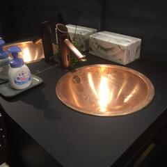 リフォーム事例/リフォーム/リノベーション/店舗/リニューアル/洗面化粧台/... 真鍮色が際立つ洗面化粧台
