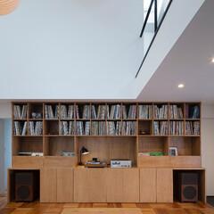 建築/住まい/建築デザイン/シンプル住宅/注文住宅 テレビは扉の中でオーディオが主役  OU…