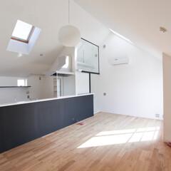 建築/住まい/建築デザイン/シンプル住宅/注文住宅 3階のリビング OUCHI-07