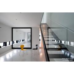 建築/住まい/建築デザイン/注文住宅/シンプル住宅 黒枠の引き戸の中は愛犬のトリミングルーム(1枚目)
