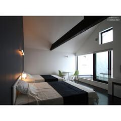 建築/住まい/建築デザイン/注文住宅/シンプル住宅 インナーバルコニーのある客室 父島の宿 …
