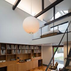 建築/住まい/建築デザイン/シンプル住宅/注文住宅 レコード棚のあるリビング OUCHI-43