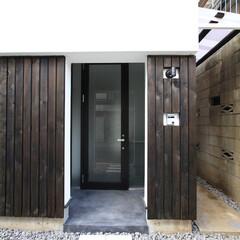 建築/住まい/建築デザイン/シンプル住宅/注文住宅 通行人の多い敷地でも1階リビングを OU…