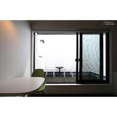 建築/住まい/建築デザイン/注文住宅/シンプル住宅 客室のインナーバルコニー  父島の宿アク…