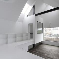 建築/住まい/建築デザイン/注文住宅/シンプル住宅 リモート勤務に最適なリビング横の小部屋 …