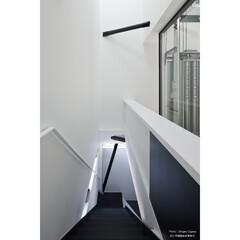 建築/住まい/建築デザイン/注文住宅/シンプル住宅 1階はピロティで2階がLDKです (1枚目)