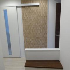 マンション/リノベーション/エントランス 玄関に便利でオシャレな椅子を設置