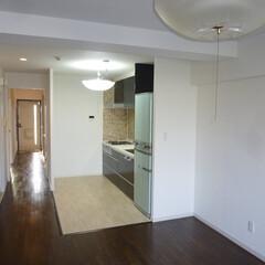 キッチン/リノベーション/リビング/マンション 閉鎖的なキッチンの壁を撤去して広々空間に…