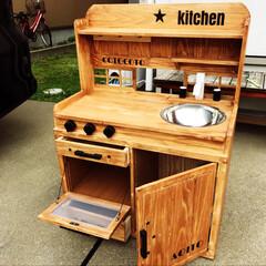 ステンシル/ままごとキッチンDIY/ままごと男子/ままごとキッチン/DIY/100均/... 友人から依頼を受けて制作。  木製で、引…