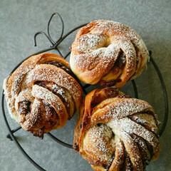 自家製/手捏ねパン/あんぱん/ツイスト/スイーツ/フード 大好きな「あんぱん」をオシャレに成形して…
